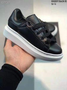 2020 Qualitäts-Samt-Kinderschuhe chaussures enfants Plattform-beiläufige Schuh Kinder Leder Weiße Turnschuhe Größe 24-35 no box