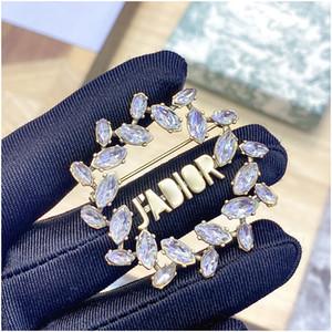 Новый букет невесты, просматриваемый Crystal Flower Brouches Pins Corsage Женщины День рождения Подарок Ювелирные Изделия Мода Аксессуары с Матем