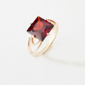 New Luxury Gold Color Jewelry Wedding Women Rose Gold Color Rings Dark Red Square Shape Engagement Ring Designs for Women