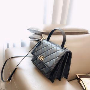горячий продавец Марка Chest сумка с коробкой Luxury Leisure мешки плеча Fanny Pack Женщина мужчины Desinger Открытого сумка талия пакет свободного корабль 20022190Y