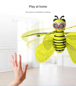 Flying Mini Bee RC Remote Control Toy Electronic Infrared Induction Aircraft RC Animal Aircraft Toy Kids Gift With Shinning