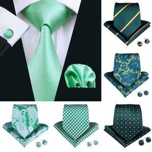 2019 DiBanGu Yeşil Hediye Kravat Erkekler için% 100 İpek Erkek Boyun Tie Klip Hanky Kol Düğmeleri Suit İş Düğün Seti