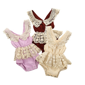 Младенец младенца Newborn девушки одежды хлопка и льняные кружева края Backless талии девушки младенца Bodysuit Sling Гусеничный младенца ползунки одежда для 0-12M