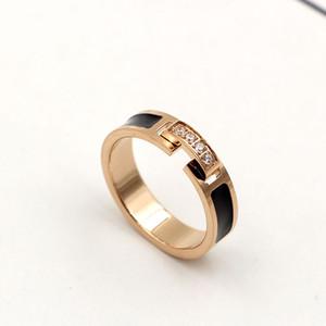 2019 yeni şık lady charm mizaç siyah dört elmas CNC mikro elmas set parmağı yüzük moda titanium çelik gül altın yüzük