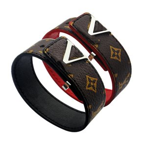 Mode-Armband für Frau Brown schwarzen Muster-Leder-Armbänder Gold V-förmige Metalldekoration Leder Hand Catenary