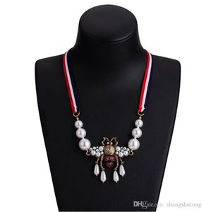 2019 new shelves Brand Designer Pendant Necklace Women Girls Rhinestone Pearl Bee Necklace Famous Brand Jewelry Gift for LoveH118
