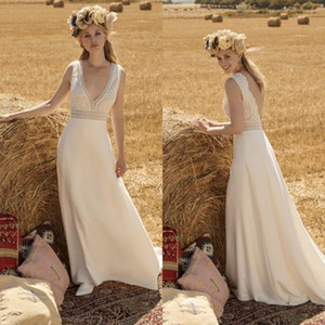Simple Satin Bohemian Wedding Dresses Lace V-neck Backless Bridal Gowns Sweep Train Beach Garden Wedding Dress robe de mariée