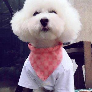 INS manera imprimió Pañuelos mascotas 3 colores Personalidad bordado de la letra admiten saliva al aire libre Toallas encanto Bichon Schnauzer bufanda del triángulo