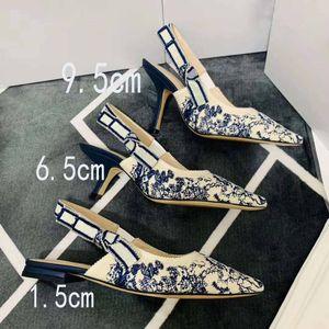 2019 горячей продажа письма лук высоких каблуков сексуальной заостренных босоножек женщина дизайнер мелкого рот вышивка холст высоких каблуков с коробкой