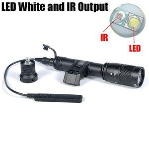 Tactique SF M600V IR double IFM LED lumière blanche et sortie de chasse IR Rifle lampe de poche noire
