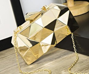 Designer Handbag 2020 Newset Fashion Female Bag Dinner Metal Hand Chain One Shoulder Messenger Small Square Banquet Bag