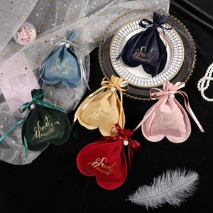 Wedding Shape Candy Bag pacchetto di velluto Gift Bag Cuore Baby Shower Party Favors Bag WB2230