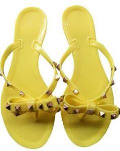 Hot Sale-Mode New Femmes Europe et les États-Unis rivet pantoufles bascule gros gelée de chaussures femmes d'été