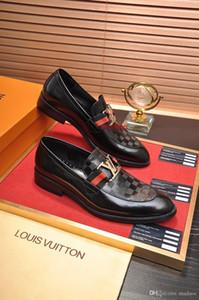 A8 Новых Дорогих Мужчины Bussiness платье Мокасины Обувь Скольжение на одуванчик Sneaker Red Bottom Оксфорд Мужского досуг мода из натуральной кожи плоского