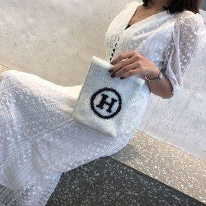 8rsCr Sweater Material Handy Schulter Telefon Frauen Kleines New 2020 Internet populärer Schulterbeutel Art und Weise der Frauen Allgleiches Bote
