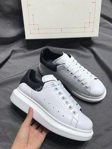 2020 année chaude nouvelles chaussures de course hommes femmes triple noir de gp191120 de élevés formateurs sports hommes