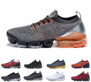 2019 En Yeni Kadın ve Erkek Koşu Ayakkabı 3 3,0 Örme Üçlü Siyah Beyaz Mavi spor Ayakkabı Eğitmenler Gerçek Mesh Sneakers 36-45 Fly