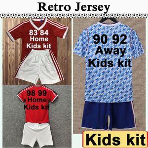 1990 1998 CANTONA GIGGS KEANE Kids Kit Soccer Jerseys KANCHELSKIS INCE Home Red Away Football Shirt Child Short Sleeve Boy Uniforms