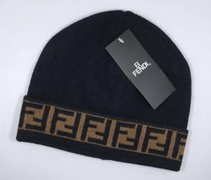 2020 nueva venta caliente de la manera clásica marca Las FF de los hombres de alta calidad y sombreros de punto de las mujeres mantener el calor en invierno gorros Beanie