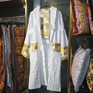 럭셔리 클래식 가운 잠옷 가운 목욕 가운 남성과 여성 브랜드는 목욕 가운이지웨어 남녀 목욕 가운 klw1739 따뜻하게 옷 (기모노)