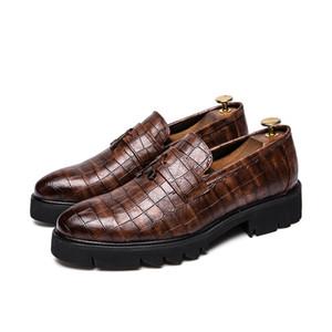 Homens de Verão sapatos Black Brown Negócios Crocodile Veias cavalheiro sapatos de alta qualidade Men Couro Casual Loafers antiderrapante