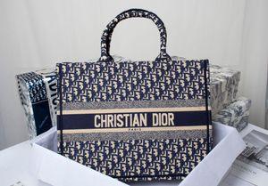 Nouveau style européen classique dames Sac fourre-tout épaule Sac shopping pur et doux noble faisant le défilé de Paris surépaisseurs D260