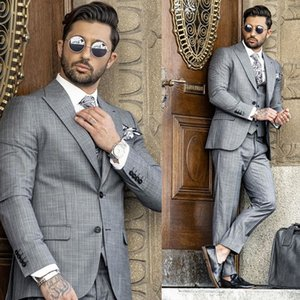 Mens Suits 2020 Wedding Tuxedos Handsome Pinstripe Two-Button Peaked Lapel Groom Suit Custom Made Slim Fit Three-Piece Suit Best Man Wear