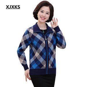 XJXKS Women Winter Warm Knitted Coat Plaid Turn-down Collar Sweater Coat Female Long Sleeve Zipper Cardigans 1716