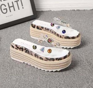 High quality women s slippers transparent beach shoes rhinestones twinkling gear outsole platform sandals  designer shoes