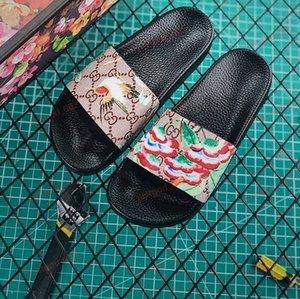 xshfbcl high quality new fashion Men Women slides Shoes Summer Wide Flat Slippery Sandals Slipper Flip Flop SIZE 35-46