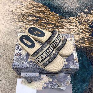 2019 New Sandals Blue White stripes Sandals Denim Flat Slipprs Shoes Ladies Summer outdoor beach causal Flip Flops Genuine Leather Sole Box