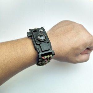 Multi-Function 8-en-1 Bracelet tissé Life-Saving Camping Boussole Thermomètre de pêche de vitesse Entrepôt à haute fréquence Whistle