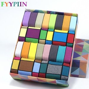 8 paia di calze Fashion Business tempo libero Entertainment banchetti a colori di alta qualità degli uomini di Happy Plaid Formal Dress Cotton Man Socks