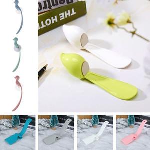 Shoe Corni 1PC Nuovo calzascarpe Accessori Scarpe Lifter per gli anziani Professional alimentazione Shoehorn plastica attrezzo da portare