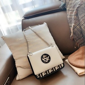 Elegant beige color fashion luxury sheep skin stripped golden chain classic shoulder bag woman lady designer handbags000
