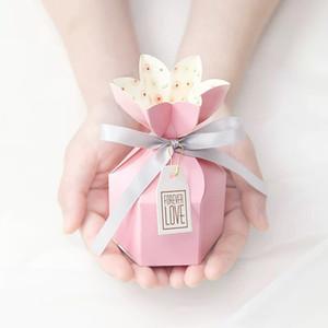 2020 neue Art-Bonbon-Verpackung Papierkasten Rosa / Tiffany-Blau-Blumen-Geschenk-Box mit Band-Liebe Schlagwörter Hochzeits-Dekoration 10pcs / lot