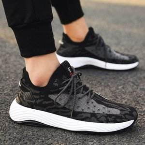 2020 nuovi pattini di sport Mens coreano-stile di modo di estate New Flying tessuto mesh traspirante Red Fashion Casual Shoes Coconut Mens