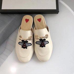 El diseñador de moda de lujo zapatos de las mujeres mulas exterior plana de la manera señoras de los holgazanes mula verano de las mujeres zapatillas de gamuza zapatos de cuero genuinos L05