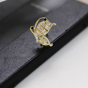 SWOUR New Elegant Flying Butterfly Clothing Accessories Gold Color Party Gift Suit Apparel Zirconia Brooch Pins For Women S871