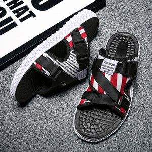 Hot New Slippers Scuffs Rubber 3 Colors High Quality Fashion Mens Shoes Summer Outdoor Beach Slippers Pantoufle SX004