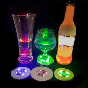 Coaster LED de la luz del resplandor Ronda beber cerveza Botella luz Pad Bar Fun Puntales botella colorida luz del flash de la Copa etiquetas engomadas del partido del regalo DHB68