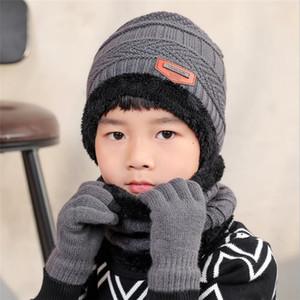 2020 Tricoté Hiver Enfant Chapeau et écharpe Gants Set Boy chauffent en peluche Hat Ensemble 3 pièces pour enfants New Outdoor Ski Cap Écharpes solide