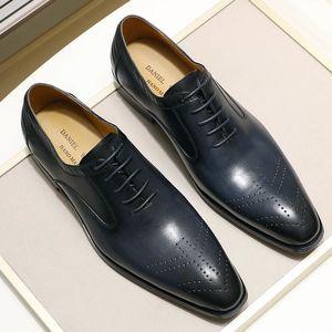 2020 Новых натуральной кожи мужских туфель ручной работы Офис Бизнес Свадьба Синей Черная Роскошный Узелок Формального Oxfords Мужской обувь CX200731