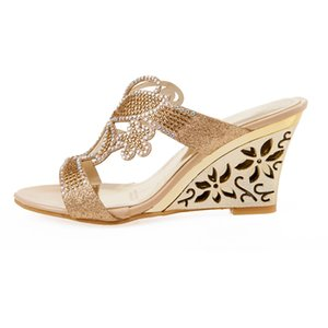 JUNSRM femmes strass cristaux Sandales talon haut Cutout Wedge Chaussures à bout ouvert plateforme d'été Flip Flops 2020