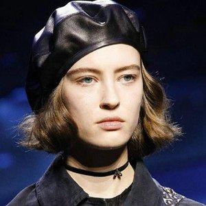 Harppihop cuero genuino estilo europeo América femenina de piel de cordero sombrero sombrero de la boina artista Jazz Hip Hop piel de oveja hembra