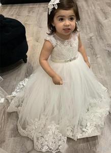 Preciosas Sheer Jewl cuello vestidos de niña para el niño de encaje apliques una línea de Sash PearlsFloor de longitud vestido de niña de partido formal del concurso