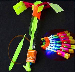 LED الطيار الطيارة LED الطائر مذهلة السهم طائرة هليكوبتر تحلق مظلة لعب الاطفال مذهلة طلقة ضوء المتابعة المظلة هدايا OOA2245