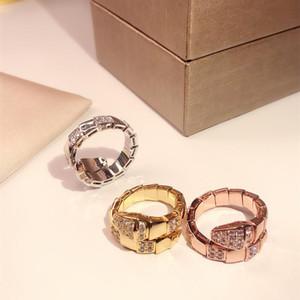 HOT упругого кольцо змейки Золотой Классическая мода партия ювелирных изделия для женщин розового золота Wedding Роскошных змеиного Open размера кольцо Бесплатной доставки