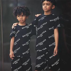 Verão Vestuário Crianças Conjuntos Designer roupa do bebê impressão para Meninos Outfits Criança Moda T-shirt + Suit Shorts Crianças