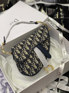 Bolso 2020 del diseñador famoso caliente bolsos europeos y americanos Brand Bags Lady D logotipo de la letra de alta calidad de la manera de hombro de cuero Bolsa de sillín